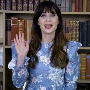 Zooey Shows Off Her Card Making Tips with Cricut